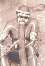 aboriginal traditional music didgeridoo played by walangari karntawarra
