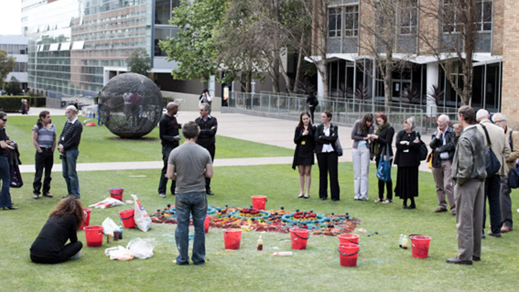 aboriginal sand painting at UNSW by walangari karntawarra